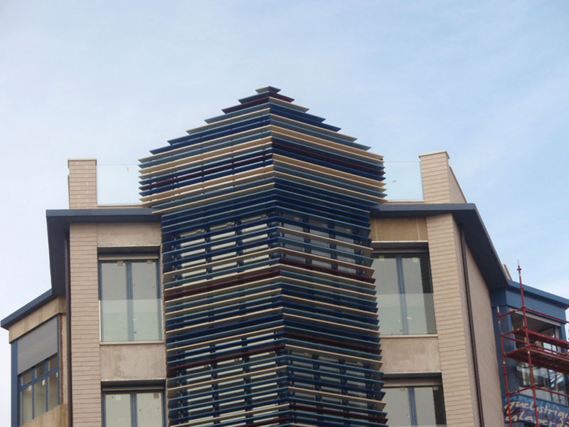 torre de lamas de colores